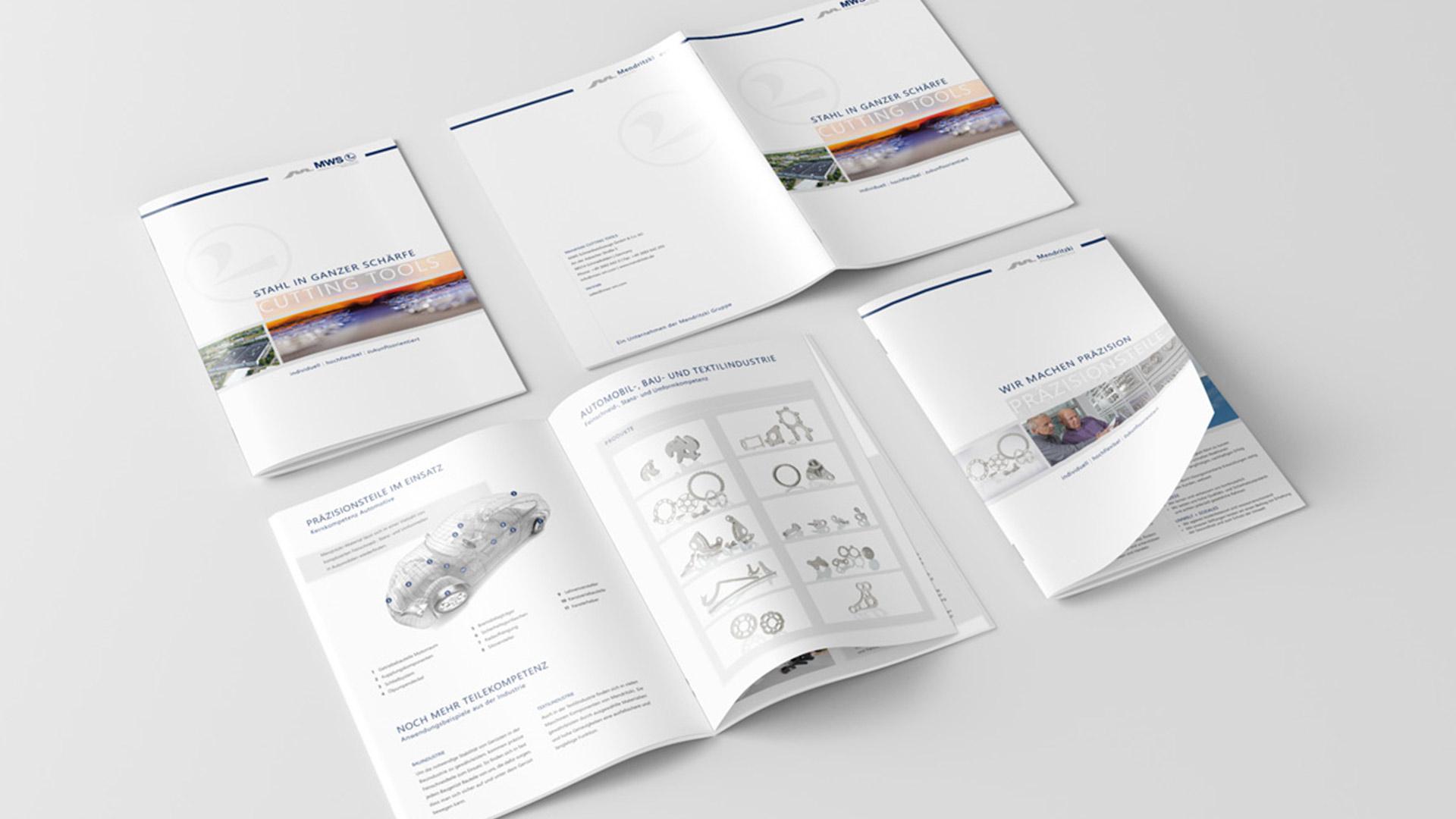 A4-Broschüre mit reduzierter Gestaltung als klassisches Werbemittel von Wurzelwerk