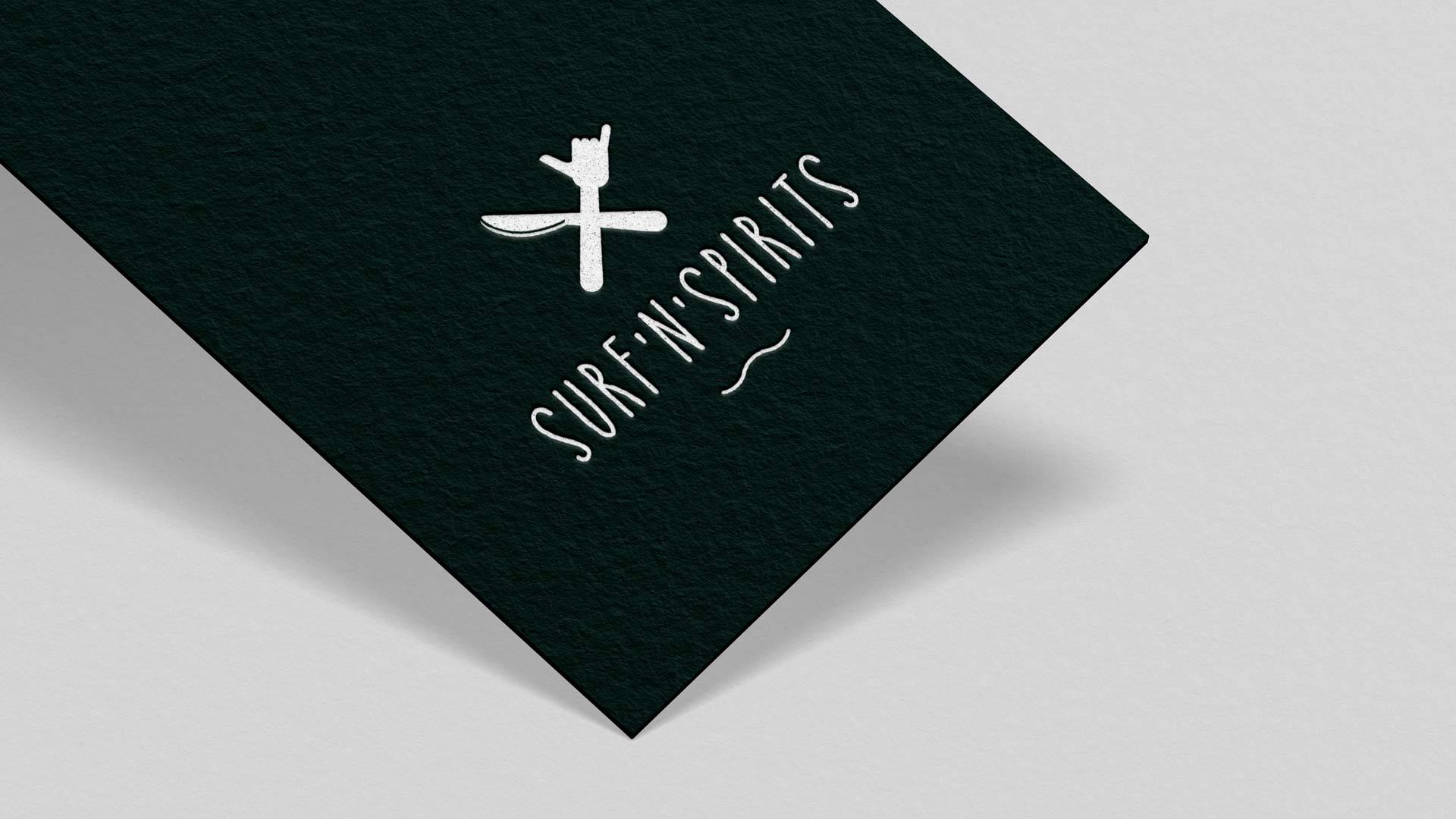 Logo-Design und Naming für ein Surf-Restaurant