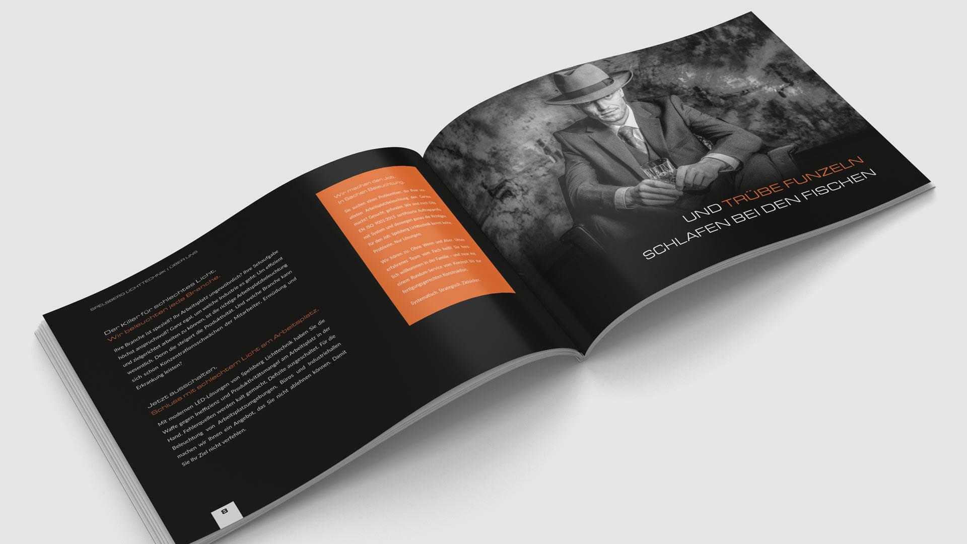 Dunkle Imagebroschüre und Produktkatalog im Querformat von Wurzelwerk